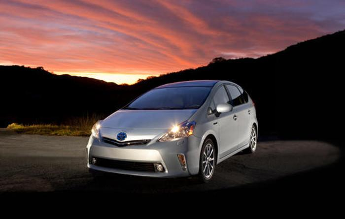 2012_Toyota_Prius_v_Five_001_38657_2524_low_large