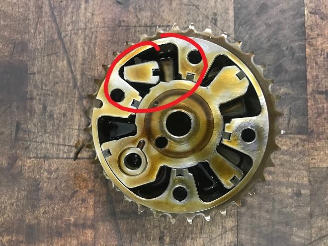 Broken VVT gear